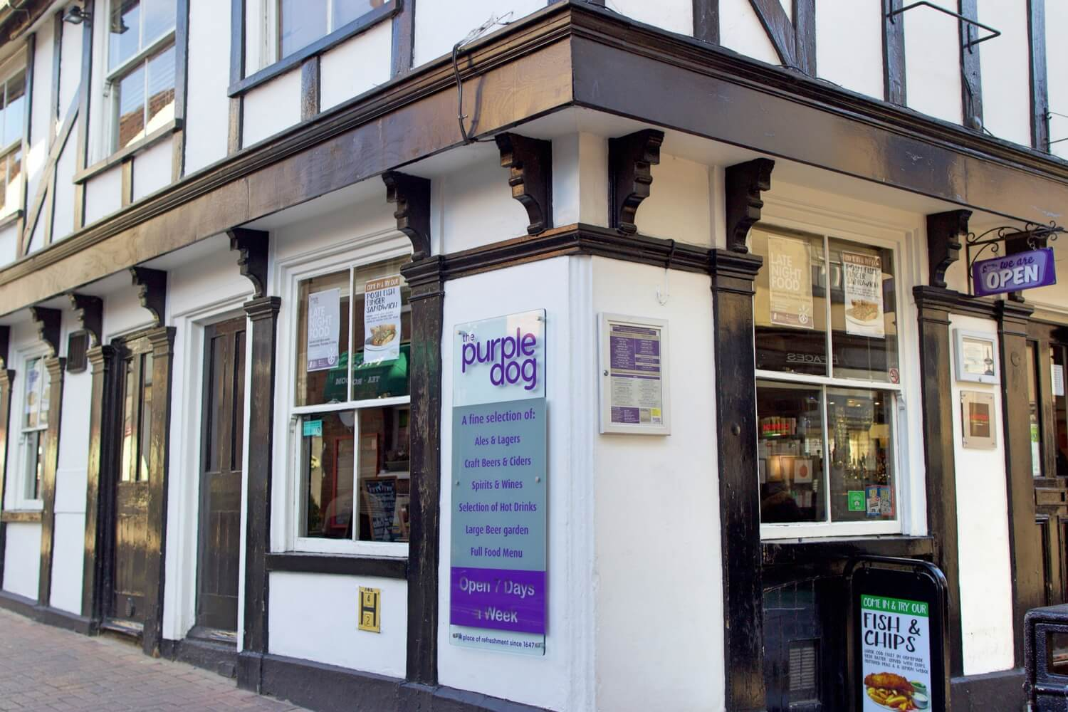 The Purple Dog - Corner of Pub