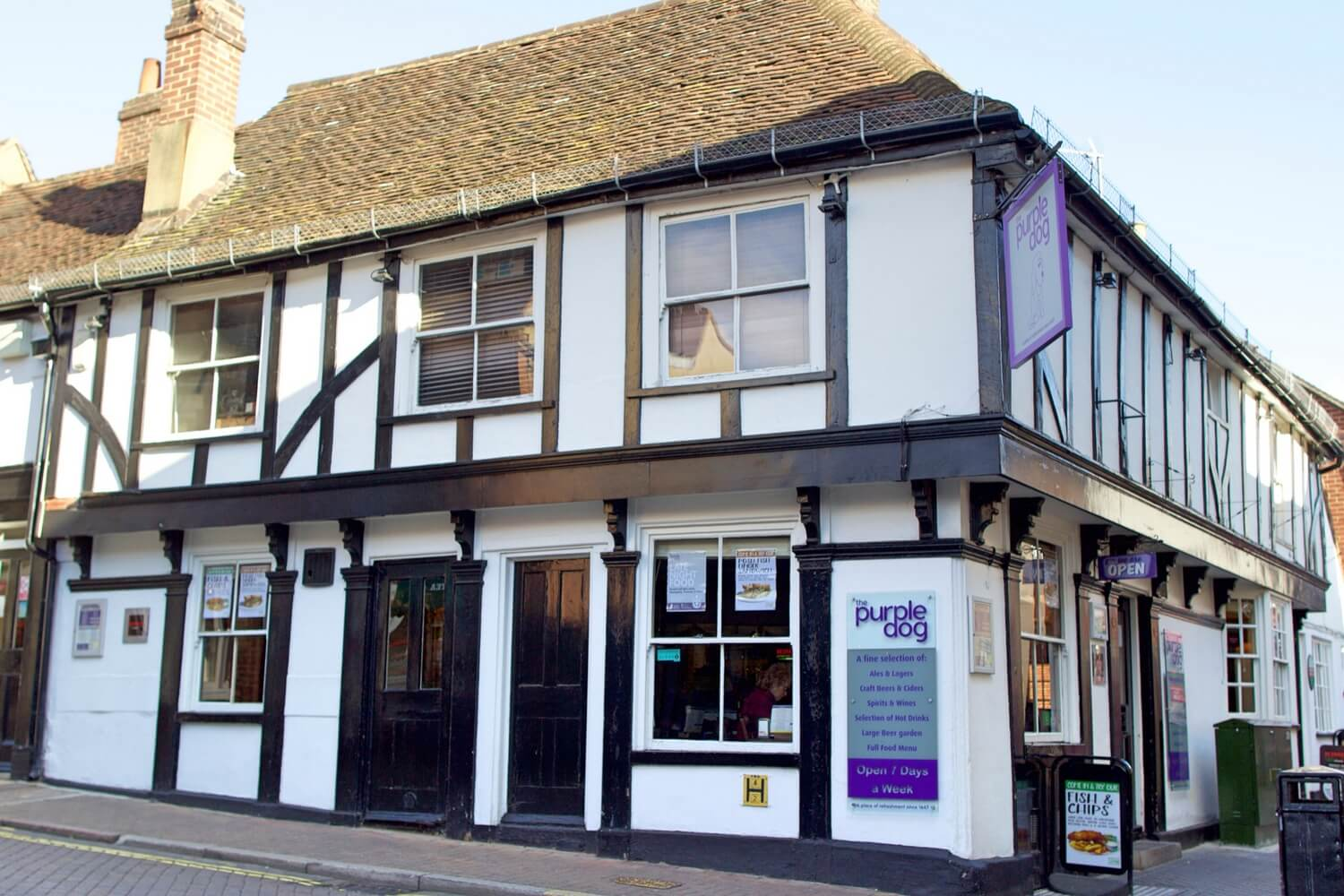 The Purple Dog - Outside of Pub